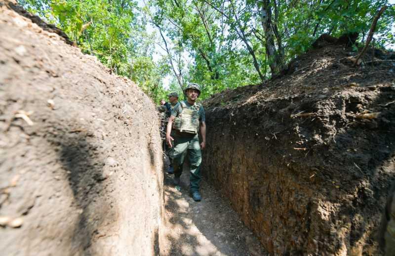 За два дня в зоне проведения ООС Президент убедился в круглосуточном соблюдении перемирия на линии разграничения