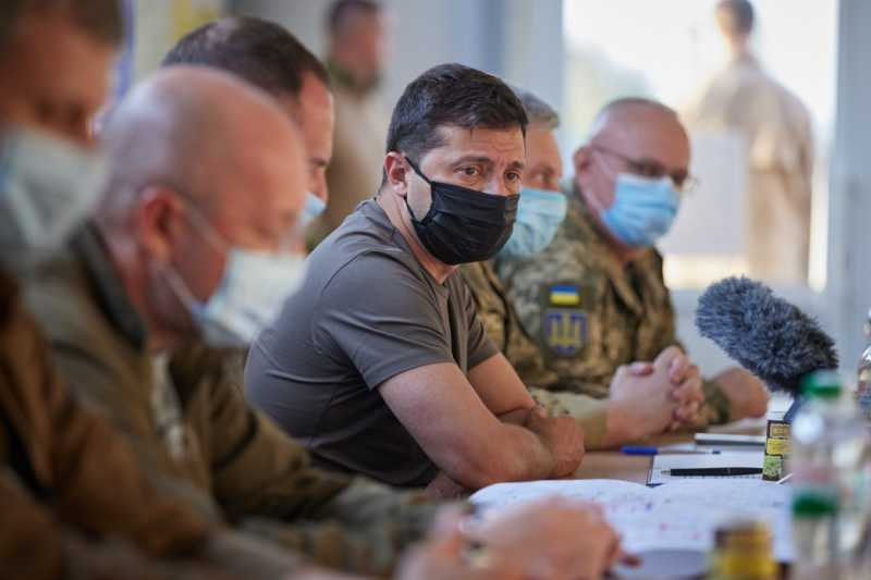 Глава государства провел на Донбассе совещание по вопросам работы Трехсторонней контактной группы