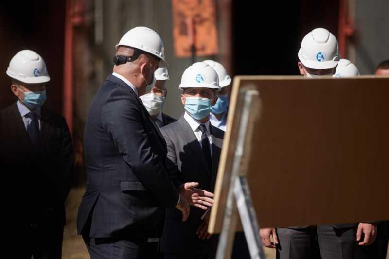 Государство не должно избавляться от самой дешевой энергогенерации в стране – Президент в ходе визита на Хмельницкую АЭС