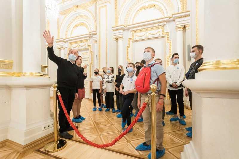 По инициативе первой леди в Мариинском дворце организованы экскурсии с сурдопереводом