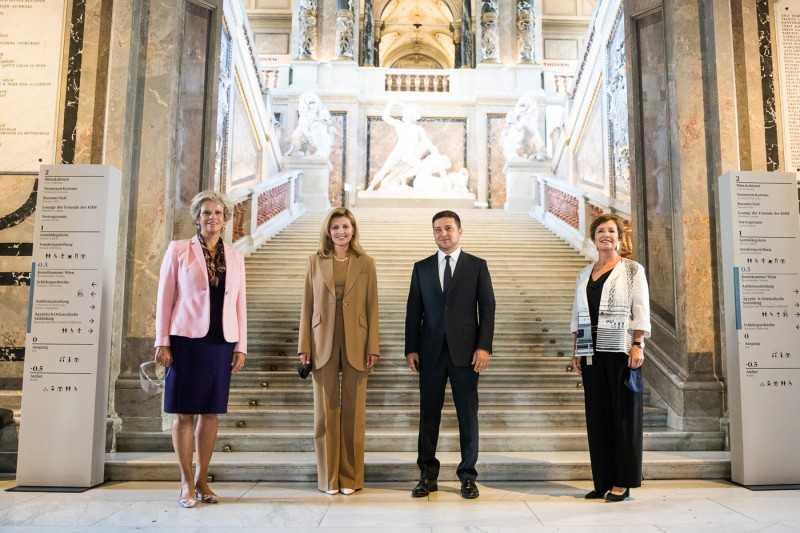 Президент и первая леди Украины приняли участие в торжественном запуске аудиогида на украинском языке в венском Музее истории искусств