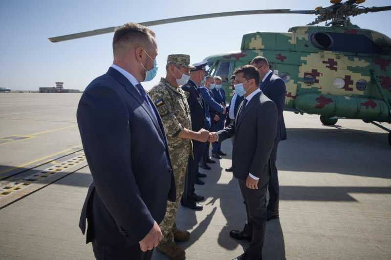 Президент начал рабочую поездку на Харьковщину