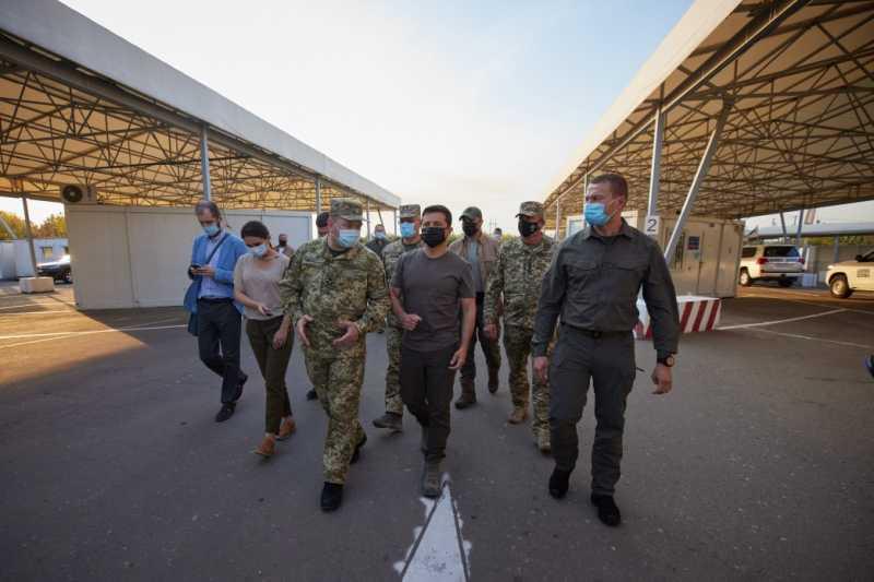 Президент осмотрел КПВВ «Майорское»