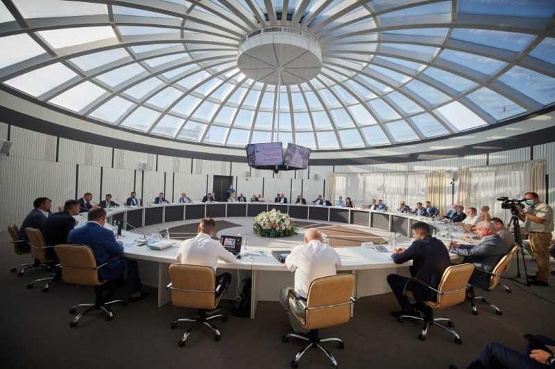 Президент встретился с представителями бизнеса Харьковщины