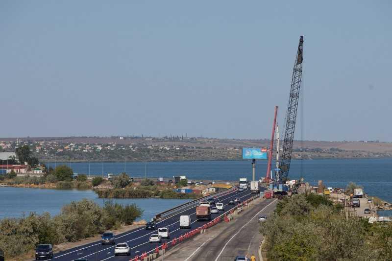 Проблема пробок на въезде в Одессу будет решена – Президент осмотрел реконструкцию моста через Хаджибейский лиман