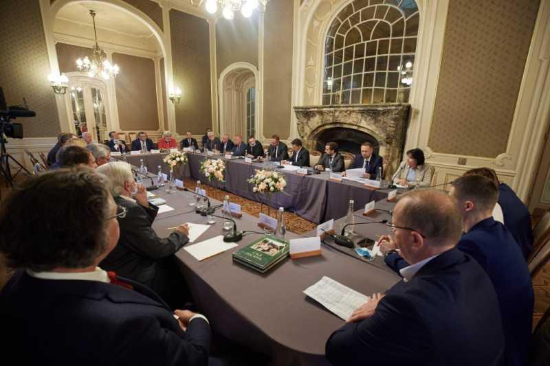 Владимир Зеленский встретился с руководителями учреждений высшего образования Львовщины