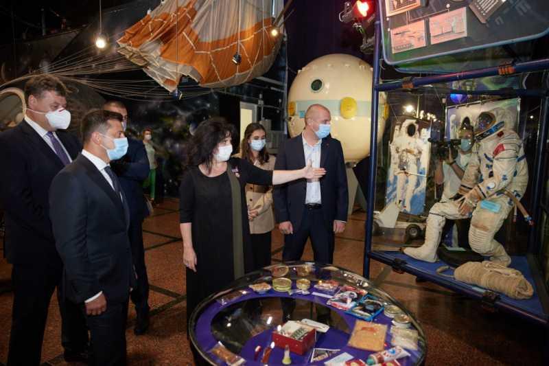 Власть меняется, а реальные ценности остаются – Президент о присвоении житомирскому Музею космонавтики статуса национального
